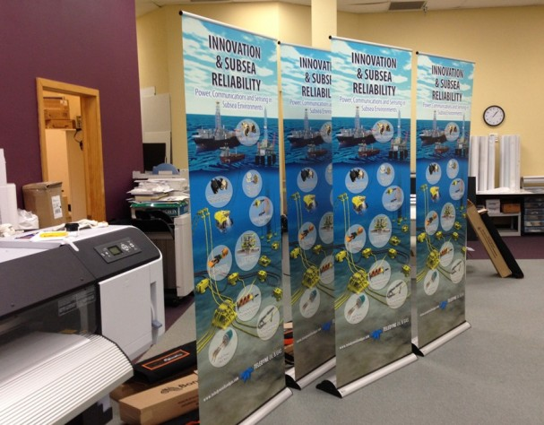 Producing lay flat banner stand graphics