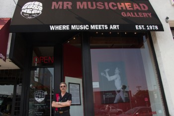 Allan Tannenbaum Exhibition at Mr Musichead