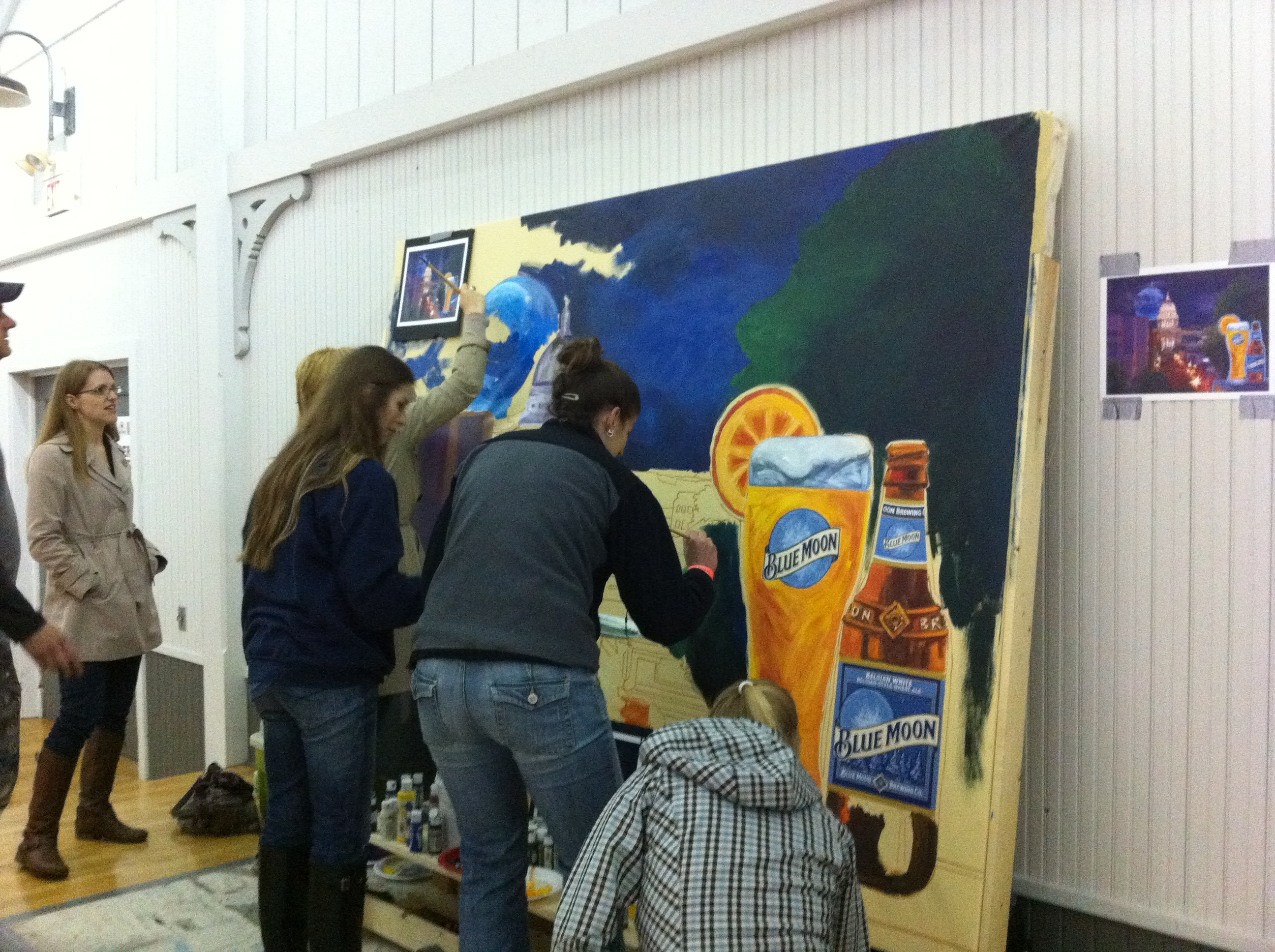 Art at the point of sale with inkjet printed canvas for Blue moon mural