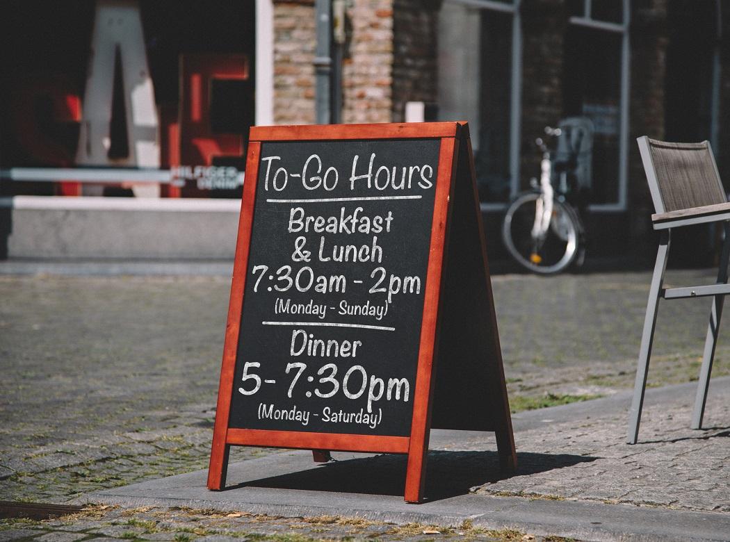 3 Easy and Eye-catching Ways to Create Restaurant Signage | LexJet Blog